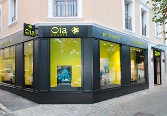enseigne oia réalisation boa design retail magasins